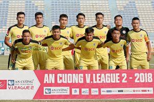 'Phù thủy trắng' hai lần dự World Cup hỗ trợ Hà Nội B trận play-off với Nam Định