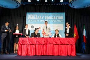 Embassy Education có mặt tại VN và tổ chức hội thảo định hướng giáo dục
