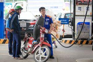 VEPR cảnh báo giá xăng tăng khiến lạm phát vượt kế hoạch