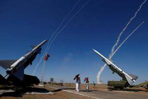 Nga bí mật triển khai binh sĩ và rồng lửa S-300 tới Libya?