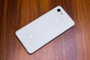 Cận cảnh smartphone chống nước, chip S845, giá gần 19 triệu đồng