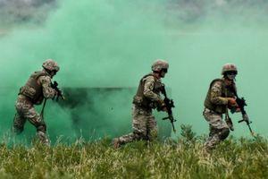 NATO điều quân bị 'khủng' tới sát Nga tập trận
