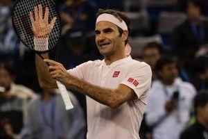 Vượt khó trước nhà vô địch Japan Open, Federer vào vòng 3 Shanghai Masters