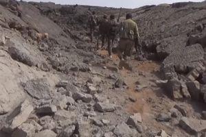 Chiến sự Syria: Cận cảnh quân chính phủ lục soát các hang đá trú ẩn của IS tại Al-Safa