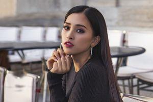 Học Trần Tiểu Vy, Hương Giang cách trang điểm mắt hợp với màu son đậm mà không hề già nua