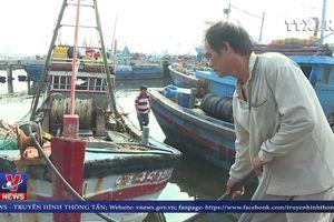 Xăng dầu tăng giá, ngư dân gặp nhiều khó khăn