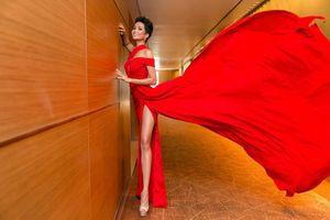 Bất ngờ khi Hoa hậu H' Hen Niê xuất hiện với vẻ đẹp hoàn hảo và thân hình nóng bỏng