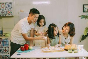 Lưu Hương Giang và Hồ Hoài Anh lần đầu chia sẻ hình ảnh con gái