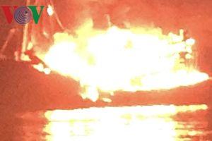 Tàu cá chứa 10.000 lít dầu bốc cháy, thiệt hại 13 tỷ đồng