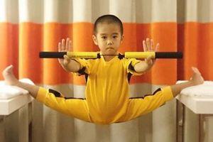Lý Tiểu Long nhí: 5 tuổi có cơ bụng 6 múi, tập võ theo chế độ hà khắc