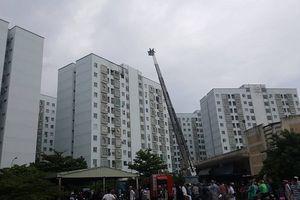 Đà Nẵng: Cháy tại tầng 12 chung cư, người dân hốt hoảng tháo chạy