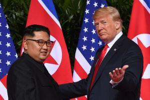 Ông Trump nhắc Hàn Quốc không tự ý dỡ bỏ trừng phạt Triều Tiên
