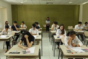 Công bố môn thi vào lớp 10 kiểu 'ú tim': Người lớn không giỏi được toàn diện, sao bắt con trẻ?