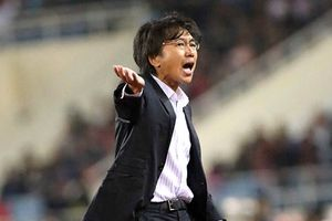 HLV Toshiya Miura chia tay CLB TPHCM