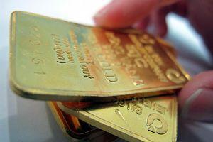 Vàng tăng giá, USD hạ nhiệt
