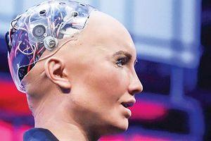 Robot Sophia nguy hiểm hay chiêu trò?