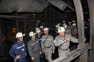 Lãnh đạo TKV làm việc, động viên CBCNV Công ty CP Than Dương Huy