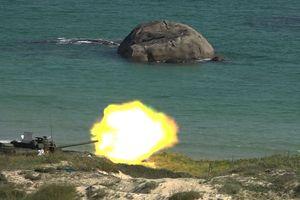 Bộ Tư lệnh Hải quân kiểm tra Cụm lực lượng Hải quân 4 bắn đạn thật