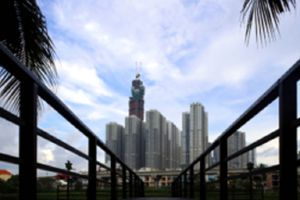 Nikkei: Việt Nam lên kế hoạch gỡ bỏ hạn chế về sở hữu nước ngoài