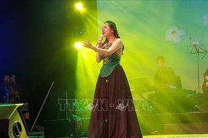 Nguyễn Thùy Liên đăng quang ngôi quán quân Giọng hát hay Hà Nội 2018