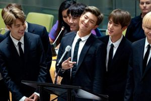 Trình tiếng Anh của RM (BTS) bị chế giễu, người hâm mộ nổi giận