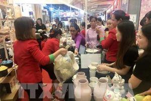 250 doanh nghiệp tham gia Hội chợ quốc tế quà tặng hàng thủ công mỹ nghệ Hà Nội