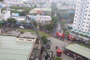 Bình gas phát nổ tại chung cư 12 tầng ở Đà Nẵng, hàng trăm người hoảng loạn tháo chạy