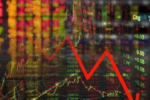 Thị trường hoảng loạn khi VN-Index 'bốc hơi' 55 điểm