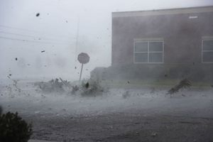 Những hình ảnh khủng khiếp về siêu bão Michael tàn phá Florida