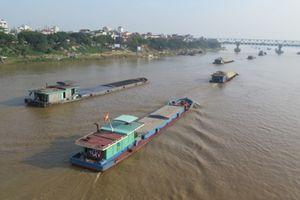 Đóng luồng chạy tàu sông Hồng đoạn qua Hà Nội 6 ngày