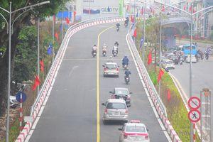 Giao thông thông thoáng sau khi cầu vượt tại nút giao An Dương - Thanh Niên thông xe