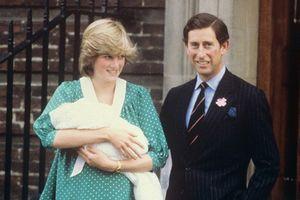 Lần đầu tiên tiết lộ thời kỳ mang thai Hoàng tử William đầy khủng hoảng của Công nương Diana: 'Cứ đứng lên là nôn ói'