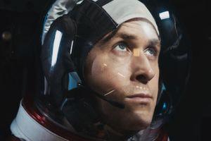 'Bước chân đầu tiên' của Ryan Gosling khiêu chiến 'Venom' tại phòng vé