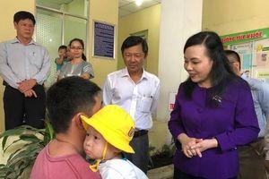 Bộ trưởng Bộ Y tế thị sát công tác phòng, chống dịch bệnh tại TP Hồ Chí Minh