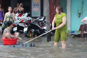 Sụt lún, nước lên và mạnh ai nấy lo