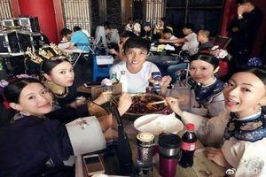 'Thánh photoshop' trở lại và lấn sân sang phim Trung Quốc