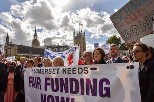 Anh: Các trường học đối mặt với quỹ hưu trí lên tới 1,7 tỷ bảng