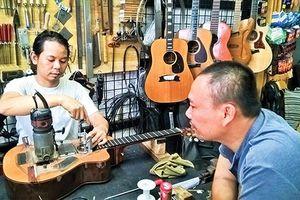 Thú chơi ghi ta, nhạc cụ 'khủng': Rửa tiền hay đam mê?