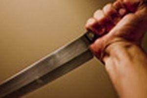 Phát hiện người đàn ông chết tại nhà riêng với vết thương sâu ở cổ