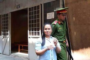 Người đàn bà đâm chết 'chồng hờ' vì tội 'giận cá chém thớt'