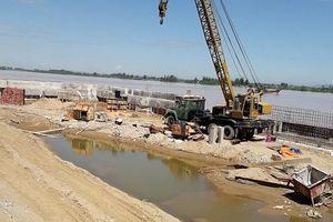 Tháo dỡ hàng nghìn m2 đất lấn chiếm sông Mã