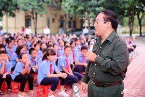 Nhà thơ Trần Đăng Khoa 'bật mí' bí quyết viết thư dự Cuộc thi viết thư quốc tế UPU hay