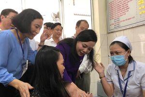 Bộ trưởng Y tế nói gì khi dịch tay chân miệng bùng phát mạnh?