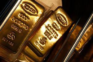 Thị trường chứng khoán lao dốc khiến nhà đầu tư đổ xô sang vàng