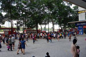 Hà Nội: Khói bốc nghi ngút, hàng ngàn cư dân HH Linh Đàm tháo chạy toán loạn