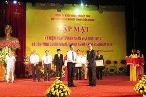 Tuyên Quang: Vinh danh hàng chục doanh nghiệp và cá nhân tiêu biểu