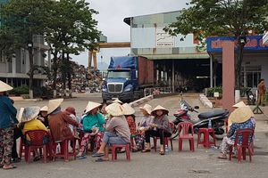 Đà Nẵng: 2 nhà máy thép lại bị hàng trăm người dân bao vây