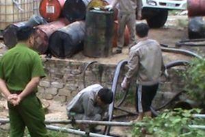 Quảng Ninh: Phát hiện cơ sở tái chế hàng nghìn lít dầu thải