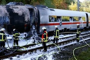 510 hành khách sơ tán khẩn cấp vì tàu cao tốc bất ngờ bốc cháy