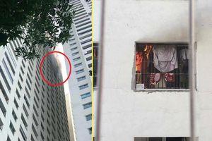 Cháy căn hộ chung cư Linh Đàm, dân hoảng sợ tháo chạy